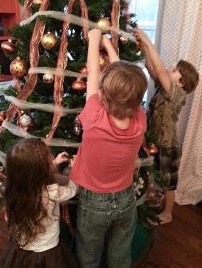 kids decorating